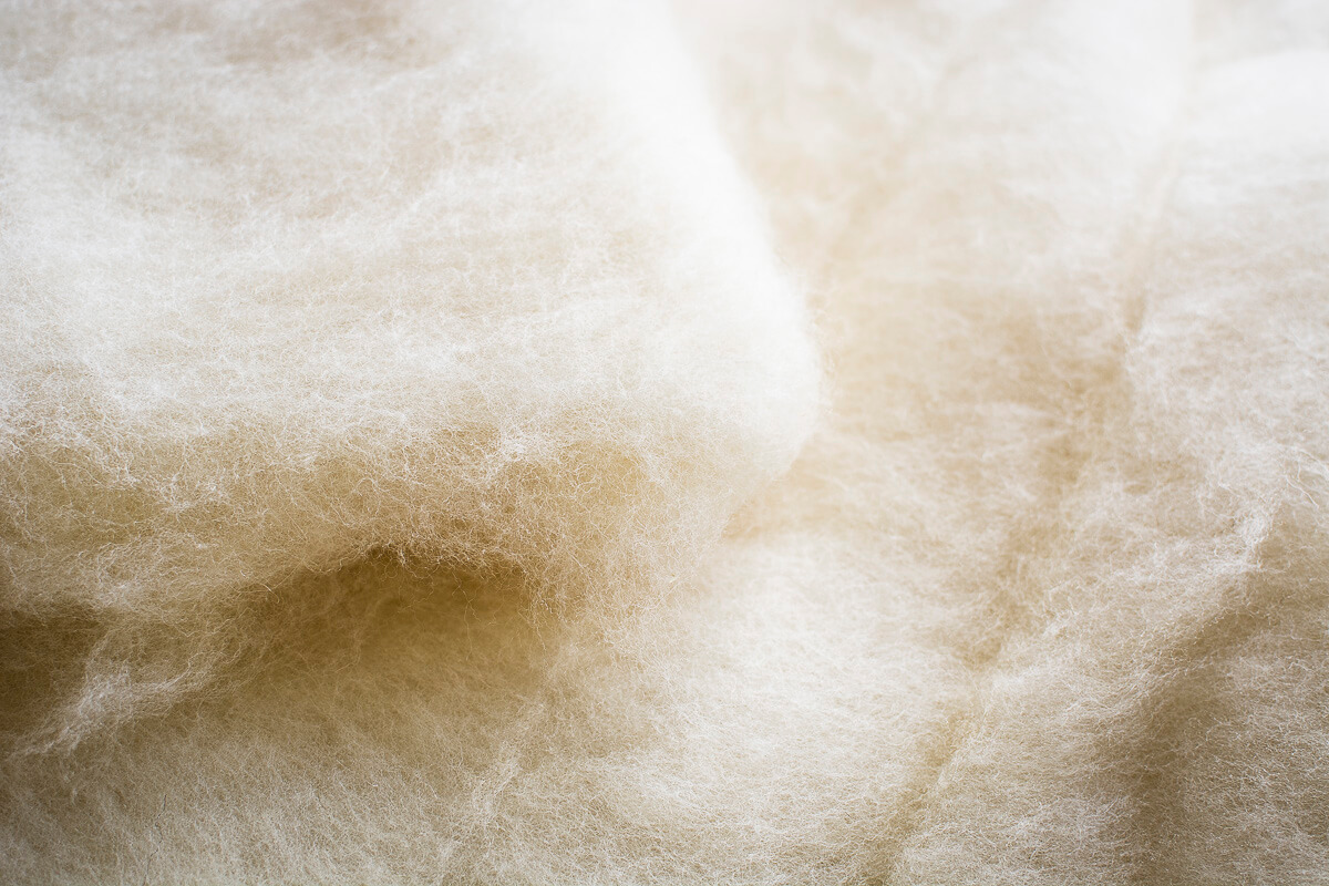 Polštář z ovčí vlny StříbroAktiv smetanová