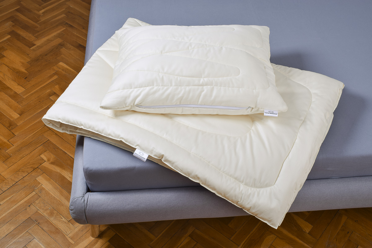 SET BAMBUS přikrývka celoroční + polštář s vnitřním polštářem