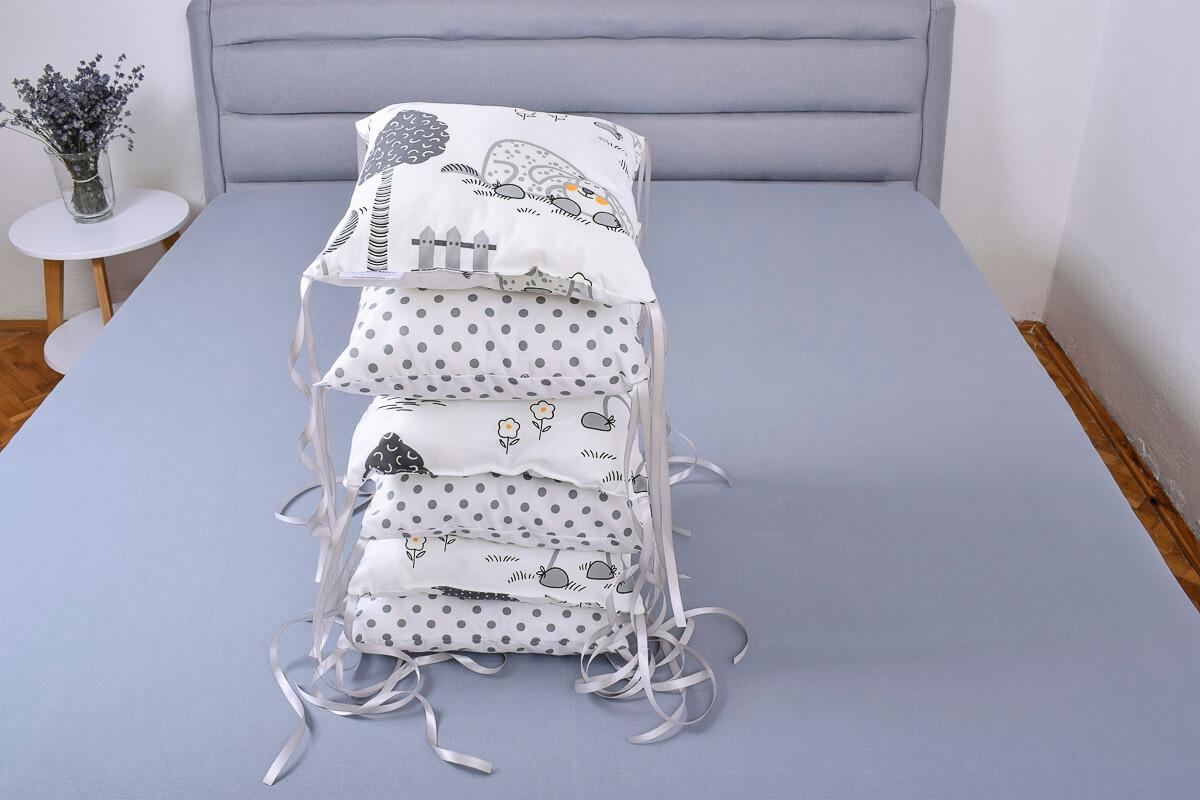 Polštářkový mantinel pejsci/šedý puntík na bílé