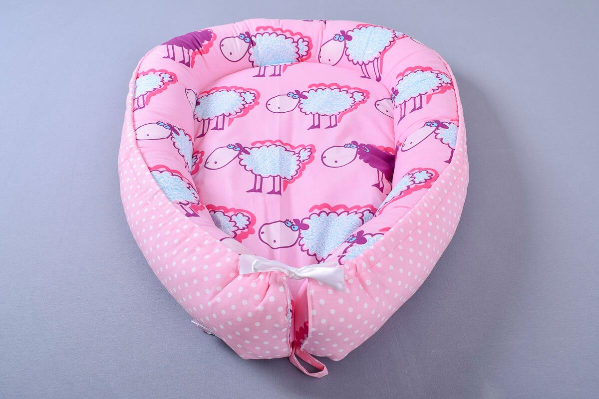 Hnízdečko pro miminko růžové ovečky/bílý puntík