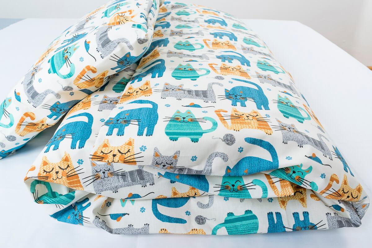 Dětské povlečení bavlna barevné kočky na krémové