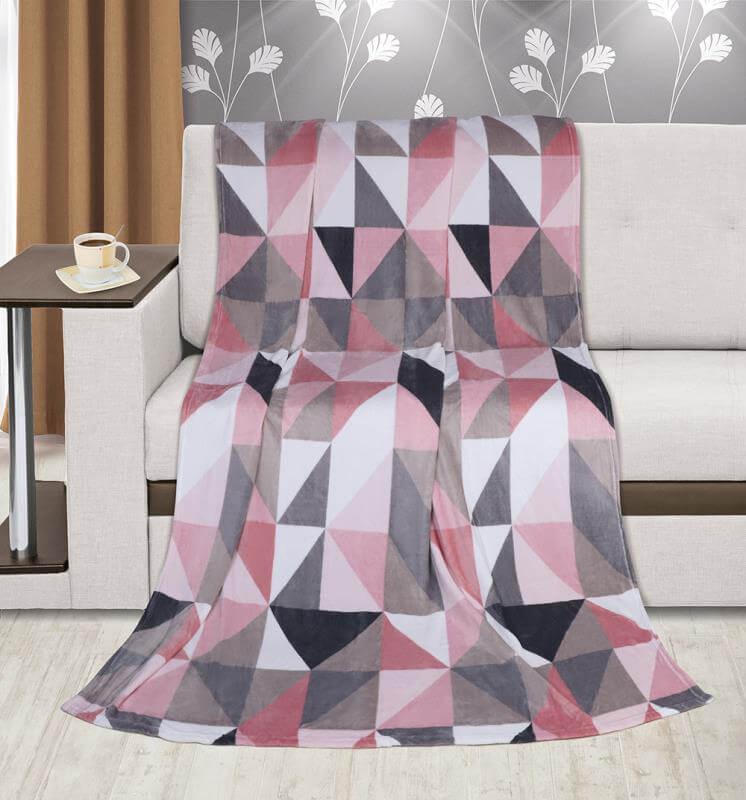 Deka Kemping plus růžové trojúhelníky