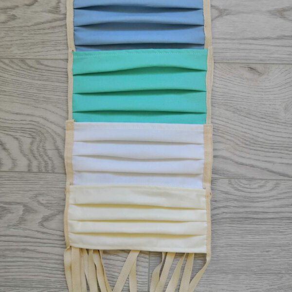 Jednobarevná rouška s tkalouny